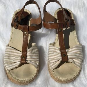 Cliffs by white mountain heel sandals size 7